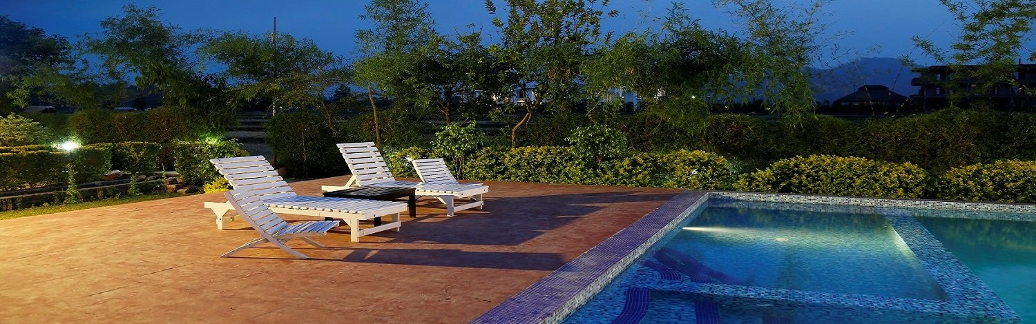 Hotels with swimming pool in jim corbett